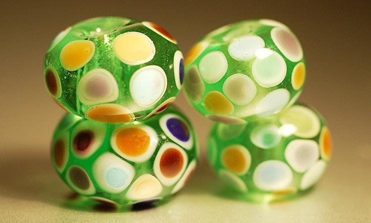 Dot-Beads, 4er Set (Durchm. ca.15mm). CHF 18.-