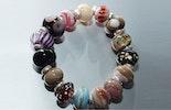 Armbänder aus Glasperlen, meins ;-)
