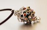 Halskette mit Murano-Glasperlen-Anhänger (gehört nun Karo. Basel-Birsfelden)