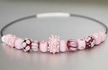 Halskette aus rosa Glasperlen (vergeben/Zürich)