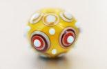 Glasperlen gelb/Hellblau/rot