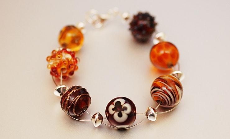 """""""Sunnylight"""" Armband auf 2 Drähten mit 7 Glasperlen, 8 Silber 925 Perlen&Verschluss (19cm lang, CHF 65.-"""