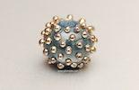 Perle in Petrolblau uns Gold-Dots aus Bullseye Glass (verkauft/Zürich)