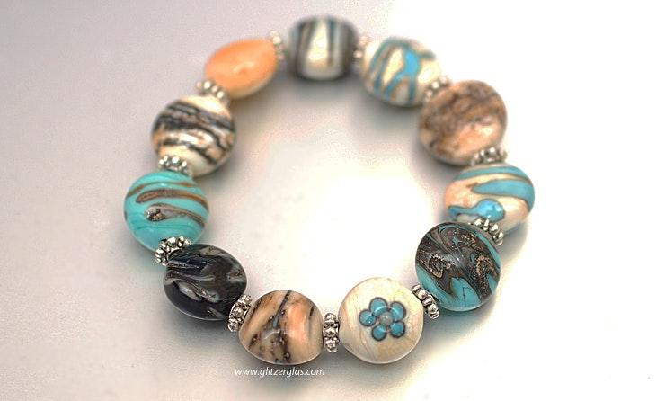 """""""Greece-Island"""" Rhodos Armband mit linsenförmigen Muranoglasperlen in tükis mit hochwertigem Gummiband CHF 75.-"""