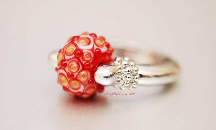 1001 Nacht Fingerring mit Muranoglas-Perle. An meine Gabi in Basel :-)