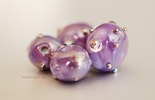 Beads in Lila