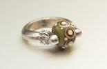 Avocadoli Ring mit CIM-Glas-Perle (verkauft Zürich)