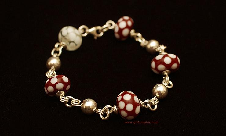 """""""Fliegenpilzli"""" Armband mit Muranoglasperlen & Silberperlen, alles 925 Silber (verkauft an Dave/Zürich)"""