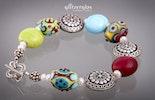 """""""colorful"""" Glasperlenarmband in frölichen bunten Farben kombiniert mit echt silber  matte Glasperlen in Linsenform"""
