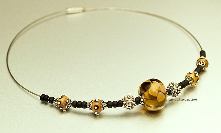 """""""Like-it"""" Halskette am Reif mit Glasperlen in Cognacfarben & Silber925-Zwischenteilen"""