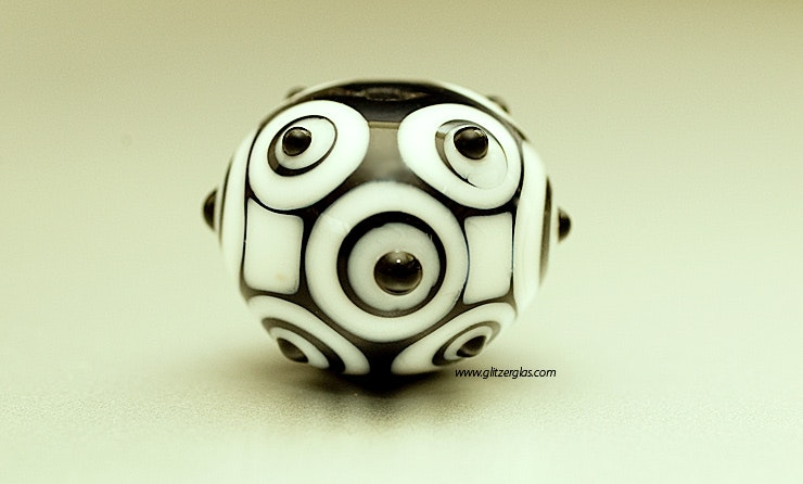 """Panda"" Glasperle aus Murano-&Reichenbachglas (vergeben)"
