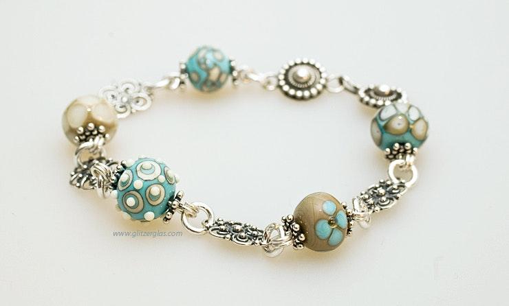 """""""Ibiza 2""""Armband aus Mini-Muranoglasperlen türkis/Elfenbeinfarbig und Silberschmuck (Silber 925).  Vergeben an Brigitte in Palermo/Italien"""