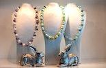 Halsschmuck mit Murano-Glasperlen in Frühlingsfarben.