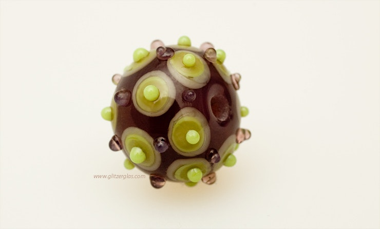 """Stachelbeere"" Muranoglasperle in aubergine/grün (verkauft an Lisa/Bottmingen/BL )"