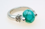 """Atoll"" Glasperle an Fingerring."