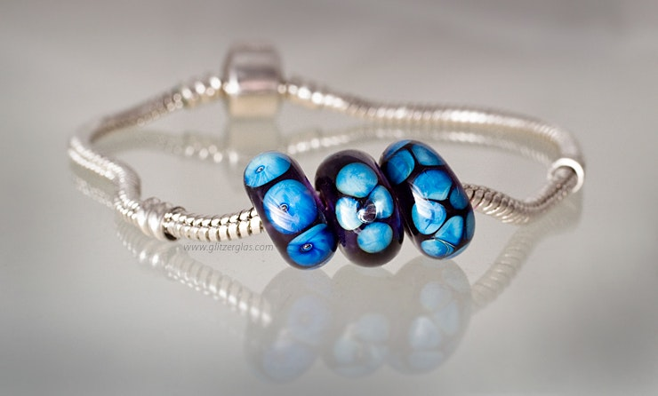 Pandora-style cobalt blue glass with special double-helix (sold in Oetwil an der Limmat)