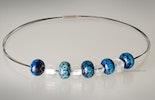 """""""blue-sky""""Halsreif 3-reihig mit edelstahl Verschluss Glasperlen mit Spezialglas"""