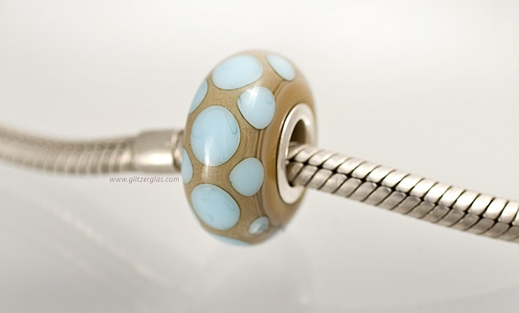 "Modell: ""Blue Dots"". Pandora- und Trollbead-Style Perle."