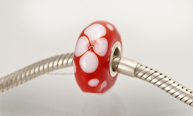 "Modell: ""Red Lady"". Pandora- und Trollbead-Style Perle."