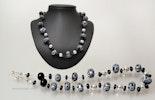 """""""Cha-Cha-Cha"""" Halskette mit schwarz/weissen Glasperlen auf Schmuckdraht mit Silber925 Verschluss"""