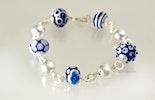 """""""Blubaju"""" Armband mit verschiedenen Glasperlen in Königsblau/weiss (verkauft Muri/AG)"""