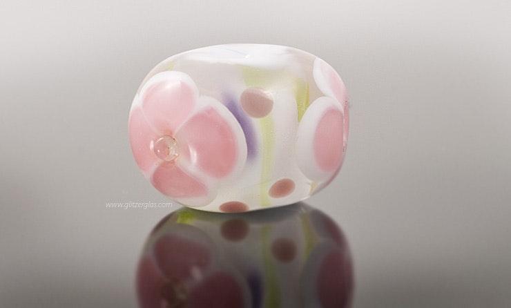 """""""Sweet flower"""" glass bead with Murano glass 20 mm diameter CHF 18.-"""