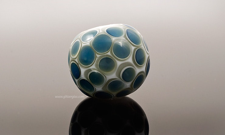 """Night-Drops"" White Murano glass beads with gray dots on clear glass Kronosdots CHF 35.-"