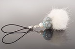 """""""Snowflake"""" Handyanhänger mit hellblauer Muranoglasperle und Fellpuschel (verkauft / Romanshorn)"""