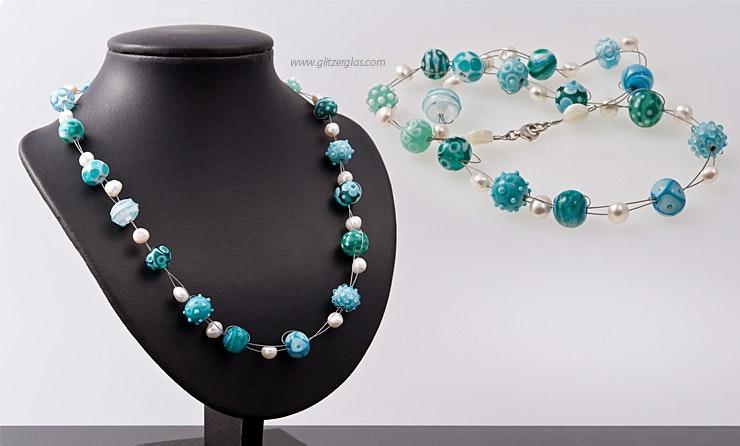"""""""Ko Samui"""" Halskette auf Schmuckdraht mit von mir handgegfertigten  Muranoglasperlen kombiniert mit Süsswasserperlen Verschluss Karabiner in Silber925"""