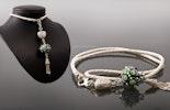 """""""Green-Peace"""" Kettenanhänger (ca.12cm)an geflochtenem Ziegenlederband (ca.80cm)mit von mir handgefertigter Muranoglasperle und Echtsilber 925 kombiniert"""