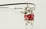 """""""Dancing Hippo Queen"""" Nilpferd mit roter Blümchen-Glasperle aus Muranoglas. (Bild 2 von 2)"""