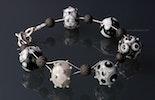 """""""Lava-Candy"""" Armband mit 6 verschiedenen Muranoglasperlen & kleinen Lavaperlen auf Juwelierdraht mit echt Silber Karabinerverschluss CHF 85.- (im Shop)"""