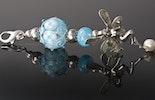 """""""Elfenzauber-Himmelblau"""" Kettenanhänger mit 2 Muranoglasperlen kombiniert mit echt Silber925 Teilen an einem Karabiner CHF 130.- (im Shop)"""