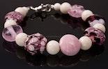 """""""Sultana"""" Armband in rosa mit weissen Korallenperlen und Karabinerverschluss in Silber925 verkauft in Bremgarten/AG"""