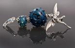 """""""Elfenstaub"""" Kettenanhänger mit 2 Glasperlen aus Spezial Silberglas mit echt Silber kombiniert - Elfenanhänger/Karabiner/Spacer CHF 95.-(im Shop)"""