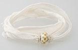indisches Baumwollarmband in ecru mit einer Pandorastyle-Glasperle & 2 echt Silber 925 Perlen Verkauft Pfingstmarkt / Bremgarten