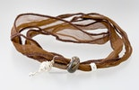 Indisches Seidenarmband in braun mit einer Pandora- und Trollbeadstyle-Glasperle & 2 Echtsilber925 Schmuckteilen (verkauft)