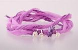 Lila-Pinkes Wildseidenarmband mit Echtsilber 925 und von mir handgefertigter  Muranoglasperle. (verkauft)