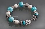 """""""Nizza"""" Armband mit türkis/weiss Glasperlen, echt Silber Elementen, weissen Korallenperlen und Hakenverschluss (verkauft/AG)"""