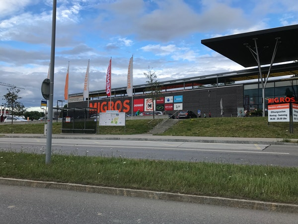 Einkaufszentrum Migros Dielsdorf