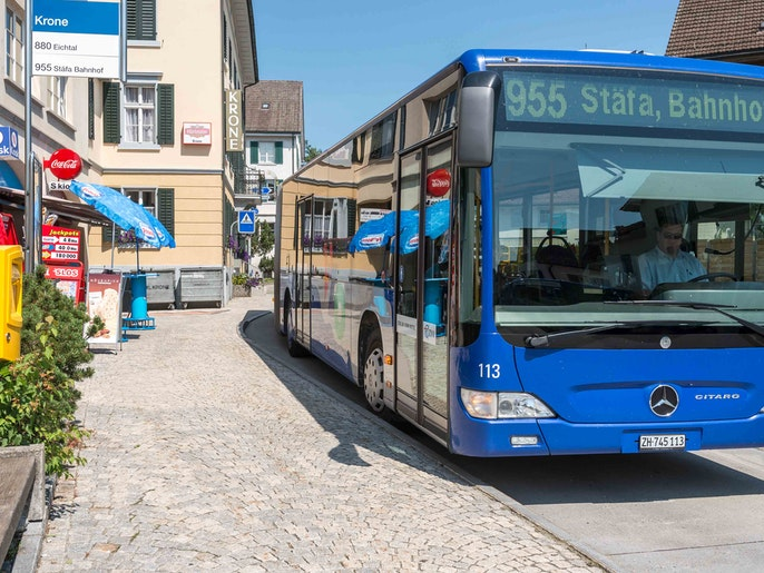 A BUS TO STÄFA DEPARTS EVERY 30 MINUTES
