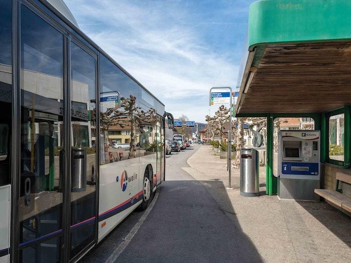 Busse nach Zofingen und nach Aarburg.
