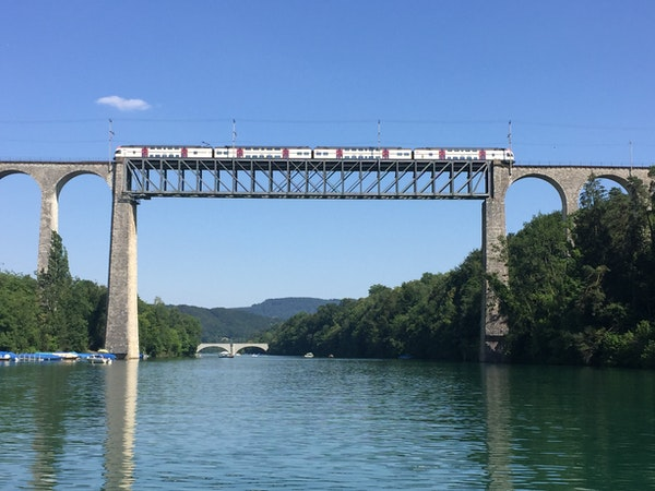 Eisenbahn-Viadukt über den Rhein