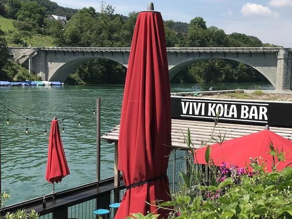 Bar am Rhein
