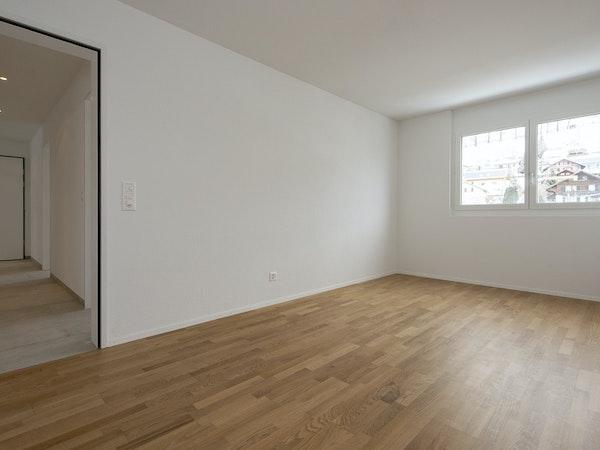 Schlafzimmer mit Parkettboden