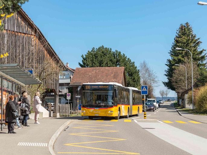 Schnelle Verbindung zum Bahnhof und ins Zentrum Uster.