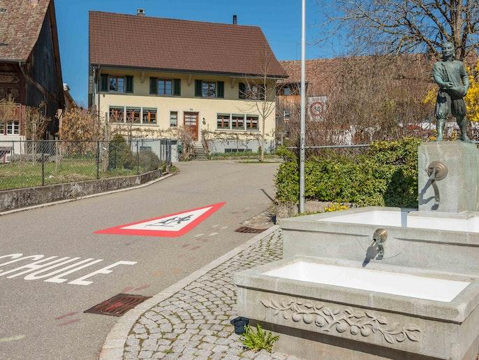 Schule und Kindergarten  in nächster Nähe.