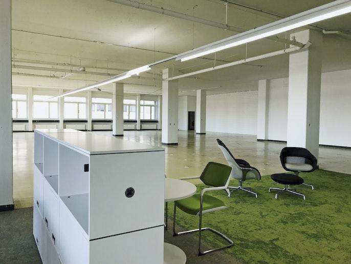 Büromöblierung