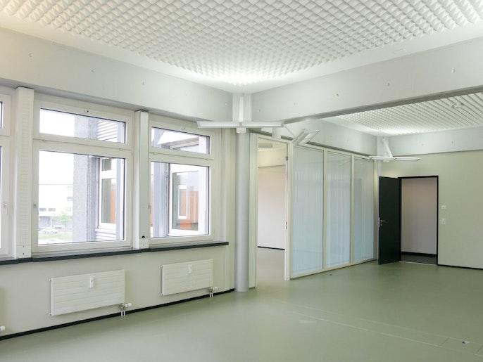 Büro 4 mit Blick zu Büro 5, 54 m2