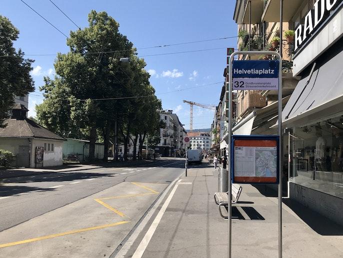 Bushaltestelle Helvetiaplatz